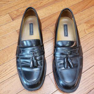 BOSTONIAN LEATHER TASSEL LOAFER - MENS 8.5M